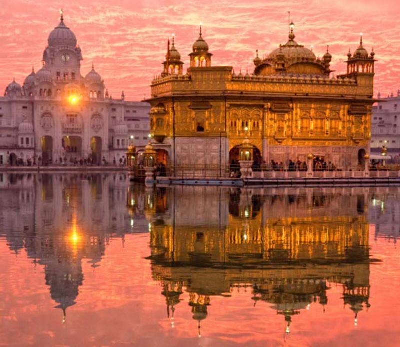 Le Temple D Or D Amritsar En Inde Lieu Organisation